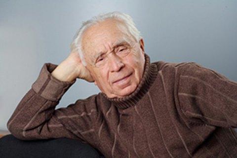 Помер поет Олексій Довгий