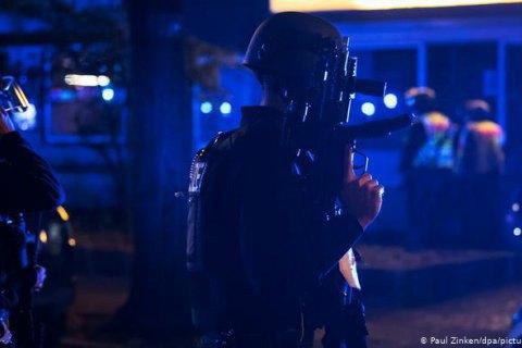 В Берлине столкновение переросло в перестрелку, есть пострадавшие