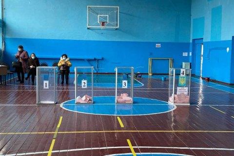 Явка виборців у Конотопі станом на 13:00 склала 14,35%