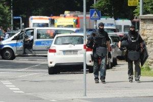 У Німеччині злочинець захопив чотирьох заручників