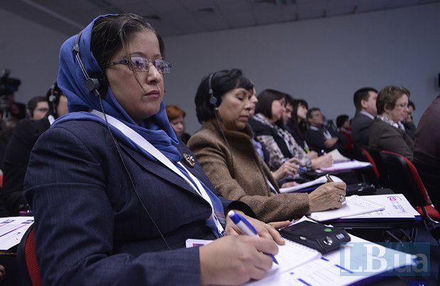 Посол Мексики в Украине Беренисе Рендон Талавера(вторая слева)