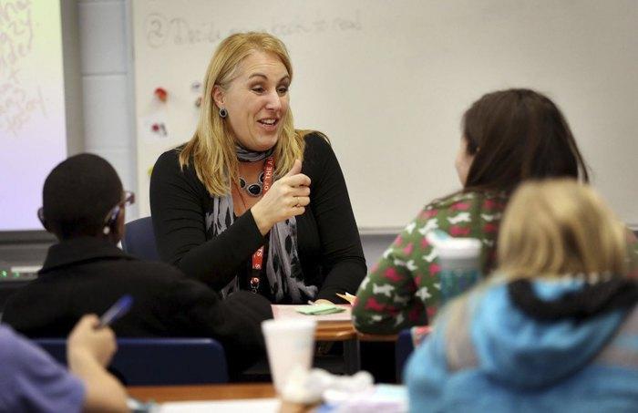 Навчання у групі глухих студентів та студентів із зниженим слухом