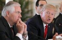 """Трамп назвал бывшего госсекретаря Тиллерсона """"тупым как пробка"""""""