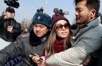 Люди в масках і міліція зірвали жіночий марш у Киргизстані