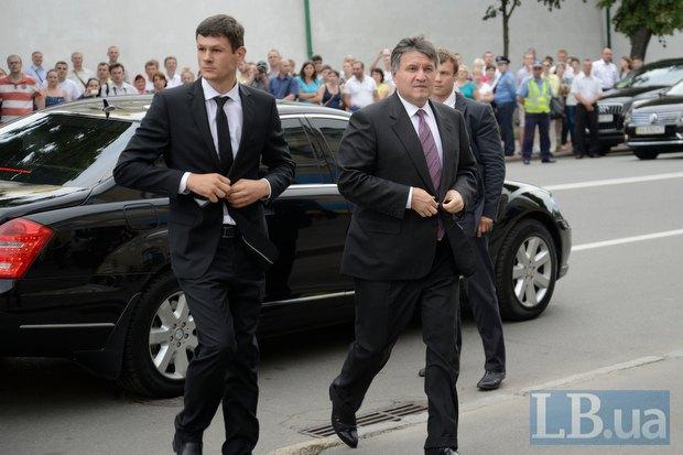 Арсен Аваков (справа)