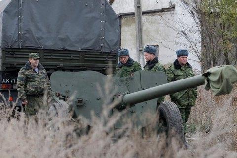 Боевики 12 раз обстреляли позиции украинских военных в зоне АТО