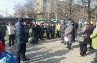В Запорожье продавцы рынка устроили митинг из-за запрета торговли во время карантина