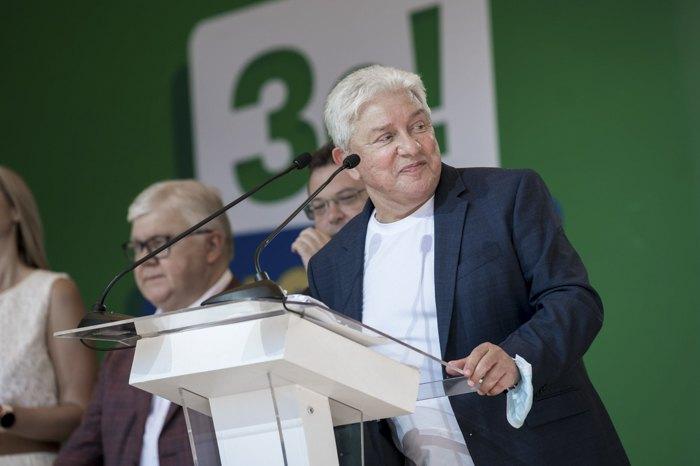 Олег Филимонов во время презентации Стратегии развития области и команды, которая идет на местные выборы.