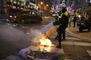В Испании демонстранты штурмовали парламент