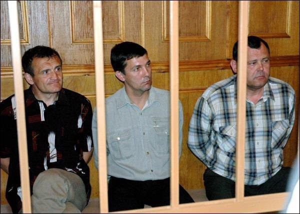 Володимир Топонар (ліворуч), Юрій Яцюк та Анатолій Третяков під час засідання суду