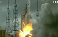 Ракета-носитель Ariane-5 вывела на орбиту два спутника связи