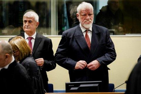 Хорватия намерена присоединиться к расследованию суицида генерала в Гааге