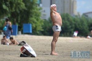 На пляжах Киева купаться нельзя