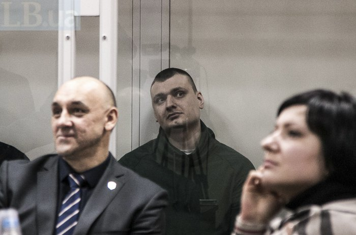 Павло Аброськін (у центрі)