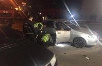 В Киеве на Драгоманова взорвался автомобиль, один человек погиб, один - травмирован