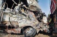 В Пакистане столкнулись автобус и фургон: 14 погибших, 30 ранены