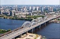 В Киеве на выходных перекроют Дарницкий мост для ремонта
