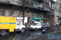 На Грушевського в Києві чистять каналізацію і відновлюють освітлення