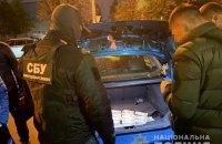 У Києві двоє чоловіків намагалися збути 240 тис. фальшивих доларів