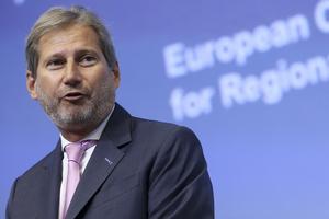 Єврокомісар Хан пообіцяв Україні безвізовий режим до жовтня