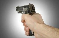 Полицейский получил ранение во время задержания вооруженного грабителя в Сумах (обновлено)