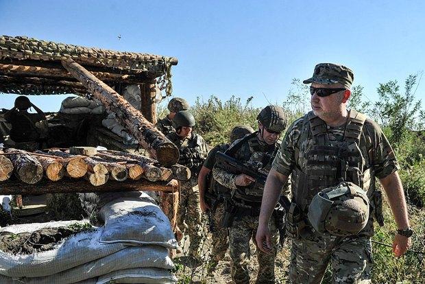 Турчинов: Боевики пробуют прорвать оборону изахватить стратегические рубежи