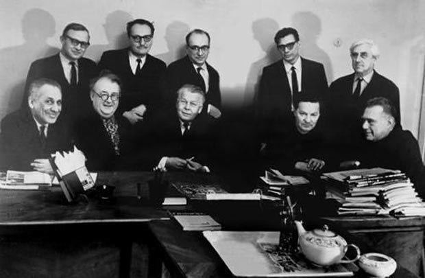 """Редакция журнала """"Новый мир"""",1970 г. Александр Твардовский в нижнем ряду в центре"""