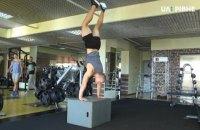 Украинский гимнаст исполнил сальто со штангой