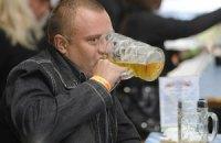 В Украине на бутылку пива можно заработать за 15 минут