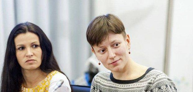 Катерина Чуєва (cправа) та Анастасія Гернега