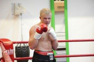 Між українцем Кучером і чемпіонським поясом WBC стоять двоє росіян