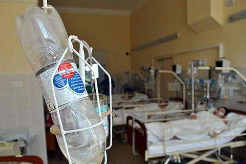 Кількість госпіталізованих на Тернопільщині студентів із підозрою на отруєння збільшилася до 27