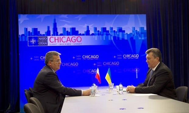 Коморовский рассказал Януковичу об угрожающей внутренней политике Украины