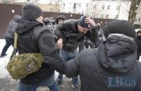 На суд по Труханову свезли титушек, где их избили националисты (обновлено)