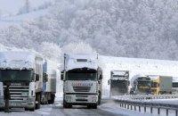 На границе с Румынией замерзают водители фур