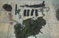 Російського солдата зі зброєю затримали під час спроби потрапити в Херсонську область