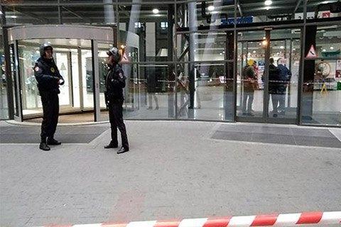 В Москве эвакуировали три ТЦ и три вокзала
