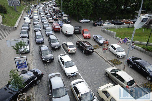 За год продажи авто сократились на 7%
