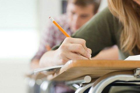 В Днепре 32 студента-иностранца явились на экзамен с поддельными паспортами, - Минздрав