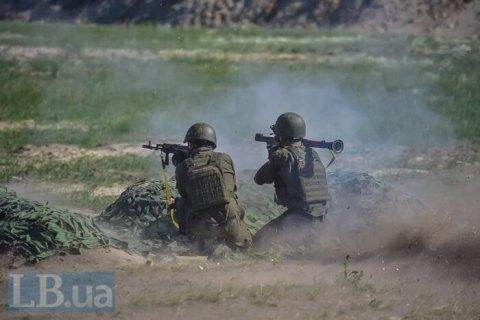 Количество обстрелов на Донбассе возросло до 13