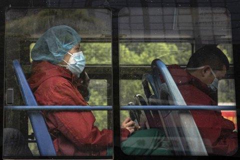 ВООЗ оновила рекомендації щодо використання масок під час пандемії