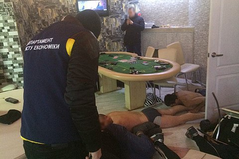 Нацполіція за два тижні вилучила в гральних клубах 1,6 млн гривень