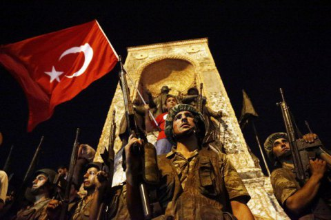 У Туреччині заарештовано 11 солдатів за спробу вбити Ердогана