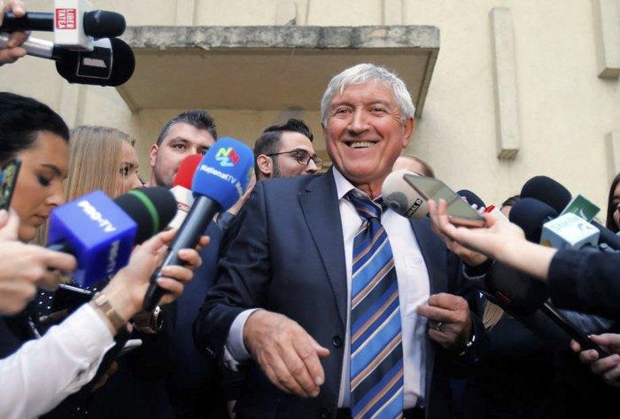 Мирча Диакону после голосования на избирательном участке