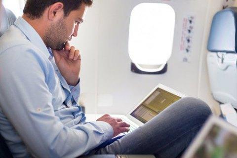 Українцям дозволили інтернет у літаках