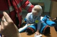 У Києві мати залишила немовля біля входу в метро і пішла пити