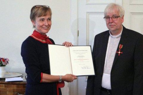Німецького пастора, який підтримував активістів Майдану, нагородили вищим цивільним орденом