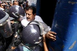 Власти Бангладеш приговорили лидера исламистов к пожизненному заключению