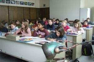 В киевской школе вводят принудительное изучение русского языка как второго иностранного