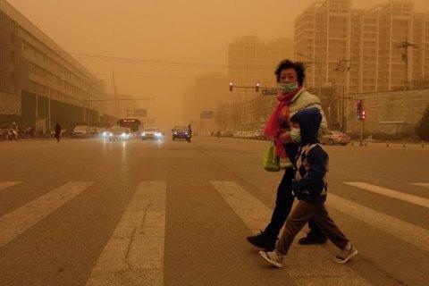 Пекин накрыла сильнейшая за последние 10 лет песчаная буря